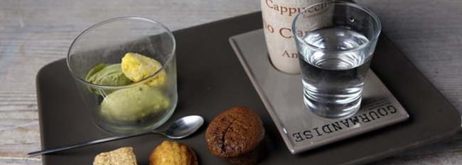 Café gourmand servi au bar de L'Escalier