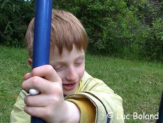 https://i1.wp.com/www.a-lou.com/photos/1.Lou-balancoire.jpg