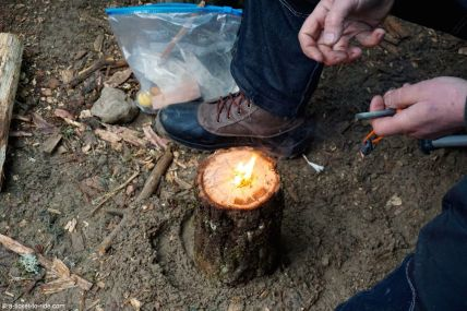 Larzac, stage de survie, allumer un feu