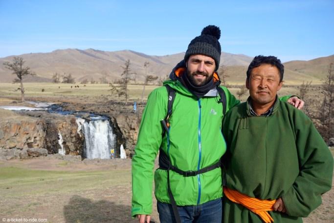 Mongolie, cascade d'Orkhon Khürkhree, avec Mögke
