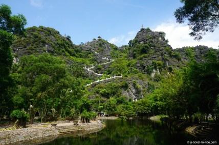 Vietnam, Tam Coc, escalier Hang Mua