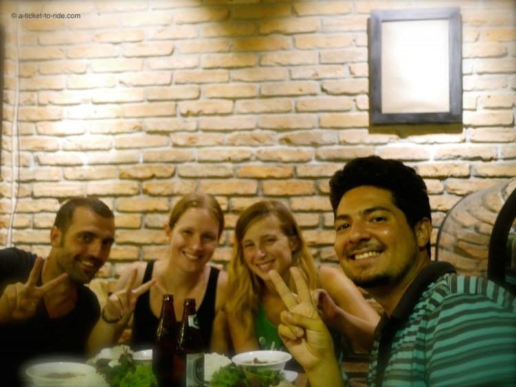 Vietnam, Saïgon, restaurant le Bun Cha avec Aude et Pablo