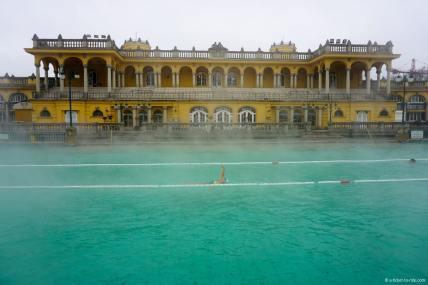 budapest-bains-szechenyi-exterieur