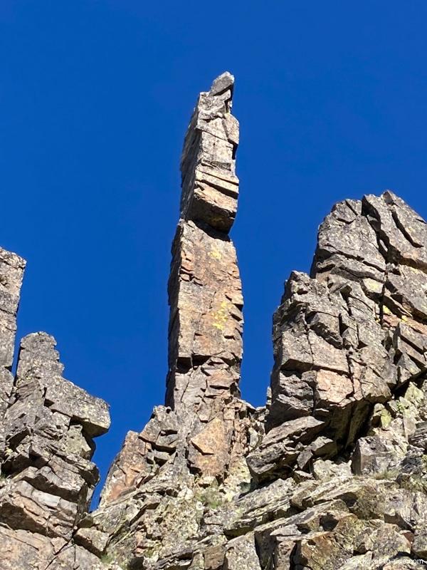 Totem dans la cheminée du Canigou