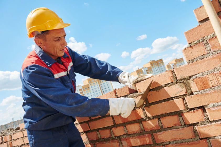 construction worker bricklayer