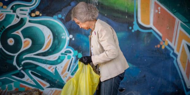 La Reina Sofía, voluntaria contra la basuraleza