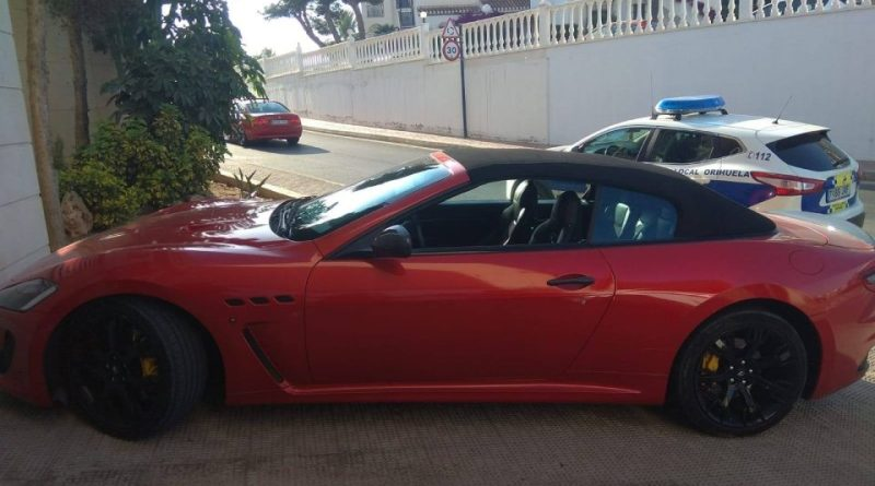 Dos detenidos en Cabo Roig por robar vehículos de alta gama