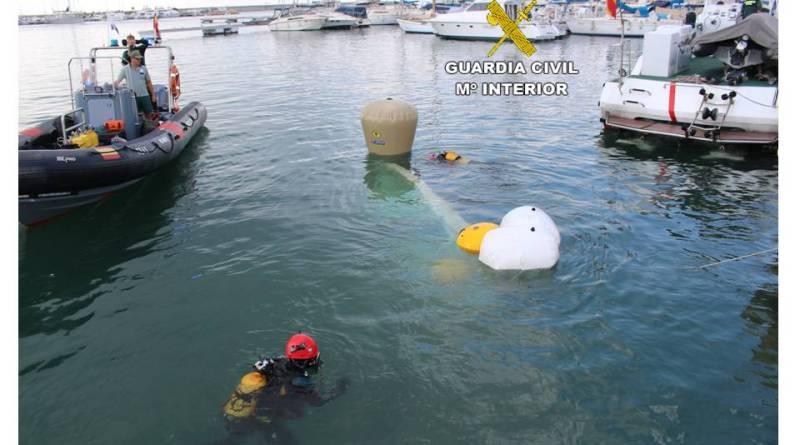 Investigan el caso de una embarcación hundida en Cabo Roig con cinco personas a bordo