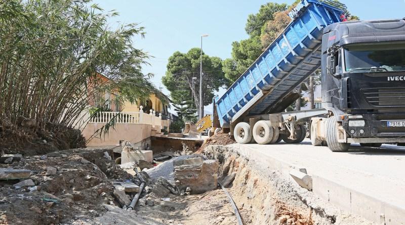 La Diputación de Alicante repara caminos en 14 municipios de la provincia tras las fuertes lluvia