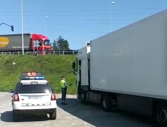 Inmovilizado en Asturias un camión cuyo conductor no respetó la cuarentena tras hacerse el test del coronavirus