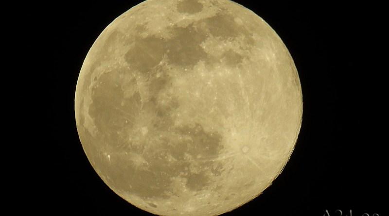 Superluna Rosa en la noche del 7 al 8 de abril de 2020
