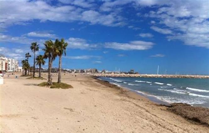 Torrevieja reabrirá sus playas durante la semana de 8 al 14 de junio