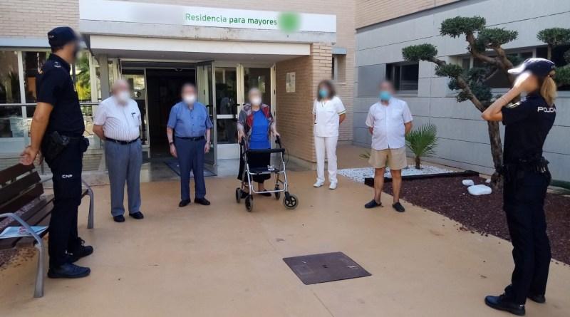 La Policía Nacional ha detenido en Alicante a un hombre de 51 años por estafar a su abuela de 99 que vive en una residencia de mayores