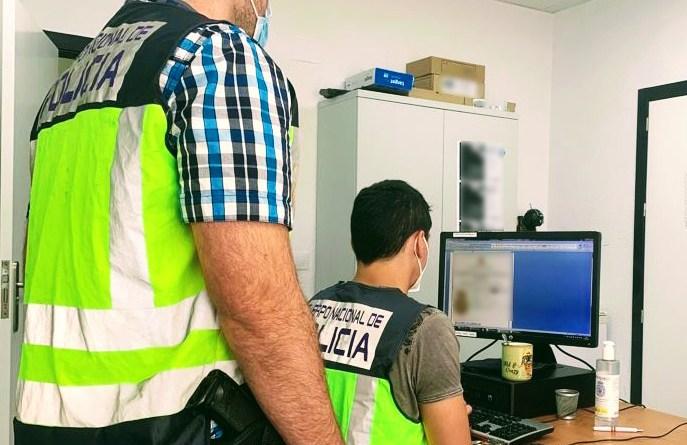 Prisión para un reincidente delincuente que acumulaba más de 120 detenciones por robos con fuerza en interior de vehículos
