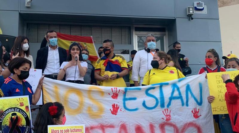 El alcalde apoya las protestas de la comunidad colombiana en Elche frente a la brutal represión policial en su país