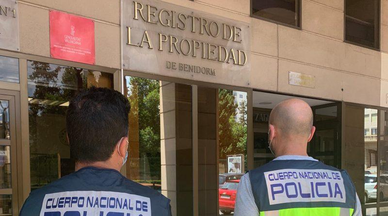 La Policía Nacional detiene a tres personas en Benidorm por estafar más de 70.000€ en la fallida compraventa de un inmueble