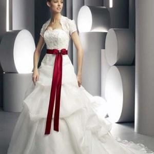 Christmas_theme_Bridal_attire