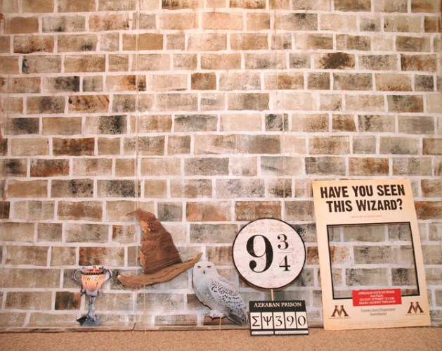 Hogwarts Photo booth - Harry Potter Themed Wedding