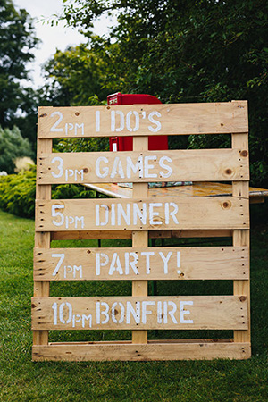 rustic-wooden-signs-for-backyard-weddings-A2zWeddingCards