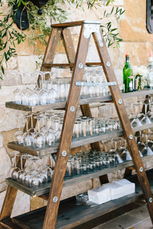cocktail-display-ideas-for-backyard-weddings-A2zWeddingCards