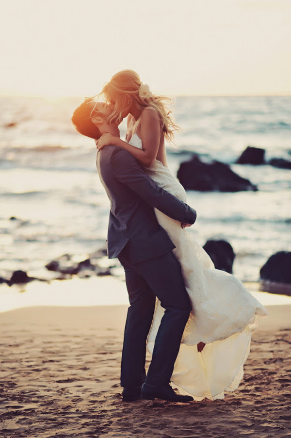romantic-beach-wedding-photo-inspiration-13-A2zWeddingCards