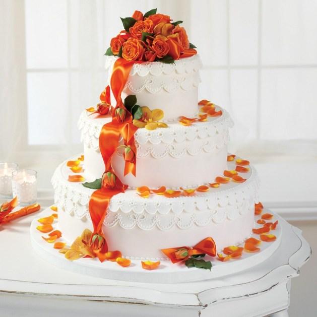 Trending Fall Wedding Cake