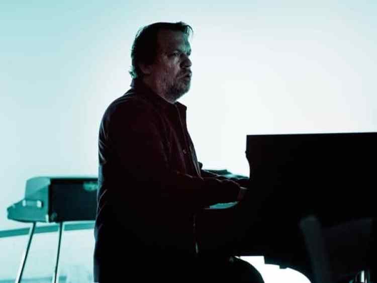 Rob Mazurek (photo by Peter Gannushkin)