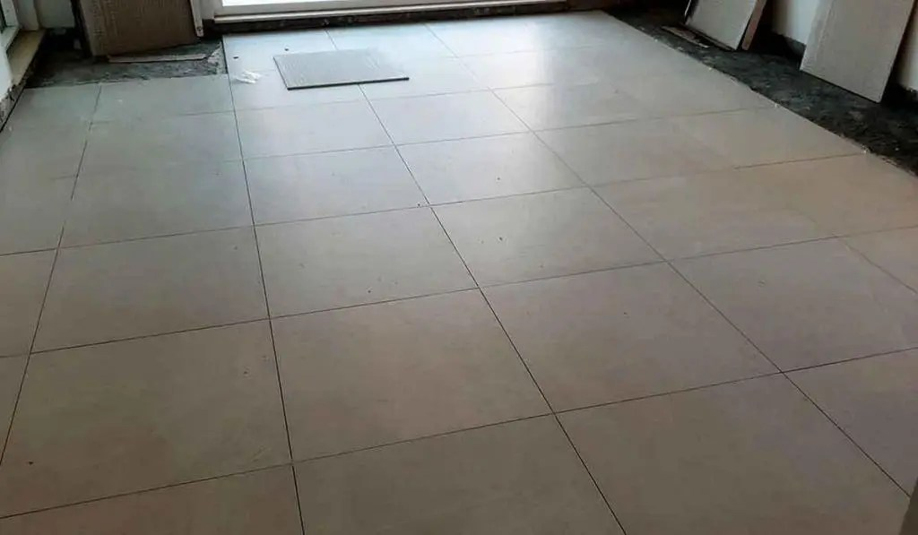 cost to tile a floor in dubai