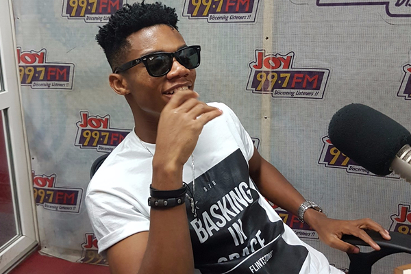Radio host sacks Kidi from live show for late appearance