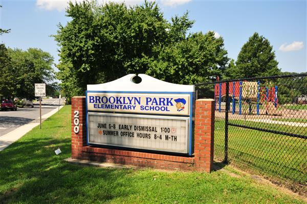 Brooklyn Park / School Home