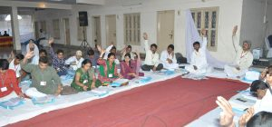 aadarshwaadi congress party meeting 7 april 2013 (21)