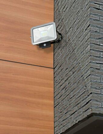Arbejdslampe LED 20 watt med sensor IP65 værktøj
