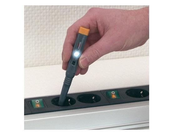Elektronisk multitester med LED display værktøj