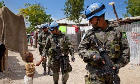 """Bolsonaro disse que ONU """"não serve para nada"""", mas soldados brasileiros já serviram em 50 missões. Foto: ONU/MINUSTAH/Jesús Serrano Redondo"""