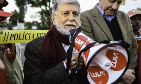 """Celso Amorim: ativando contatos do PT nas elites estrangeiras para fabricar """"liminar da ONU"""". Foto: Joka Madruga/Agência PT"""