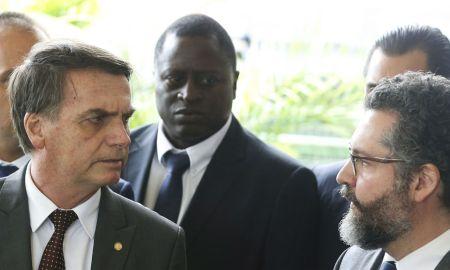 Jair Bolsonaro e Ernesto Araújo. Foto: Valter Campanato / Agência Brasil