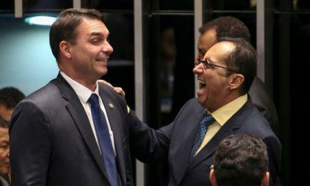 A assinatura do filho de Jair Bolsonaro foi a única da bancada do PSL a levar falta no requerimento de abertura. Foto: Fabio Rodrigues Pozzebom/Agência Brasil