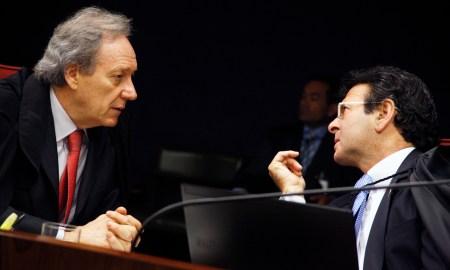 Lewandowski e Fux: caso Fabrício Queiroz pode ser considerado anterior ao mandato do Presidente. Foto: Gervásio Baptista/SCO/STF