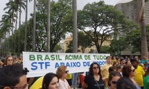 No aniversário de 5 anos da Lava Jato, protesto foi disperso pela chuva. Foto: Cedê Silva/A Agência