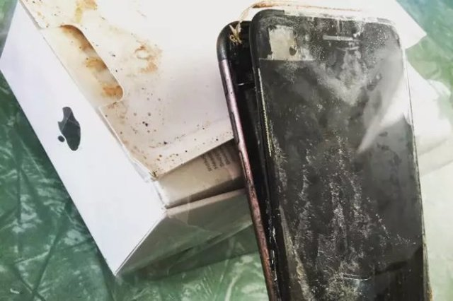 Image result for samsung note 7 explode and iphone 7