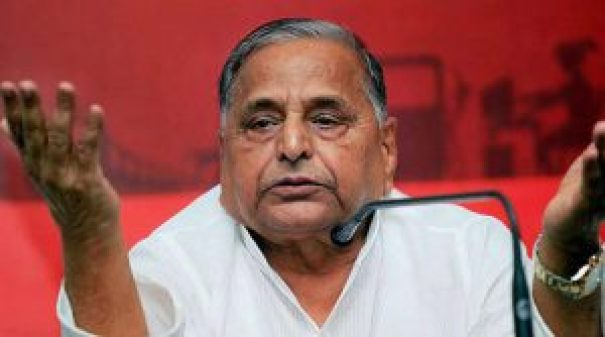 mulayam singh refuses to accept ban on 500 and 2000 rs notes
