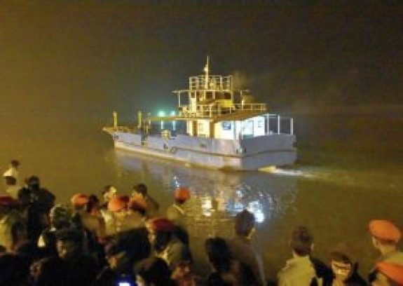 24 people dead as boat capsizes in river ganga in patna