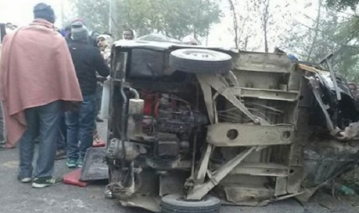 five people died and 20 injured due to bus and truck collision in aligarh