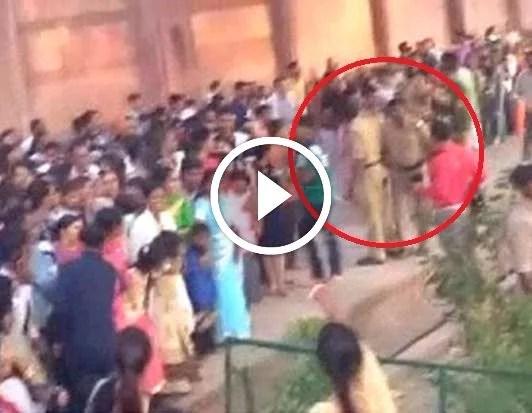 cisf jawans lathi charge tourists taj mahal ताजमहल