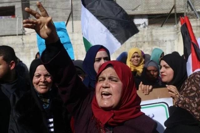 qatar कतर helps Palestine people