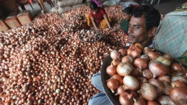 narendra modi नरेंद्र मोदी asks farmer to send money via online mode