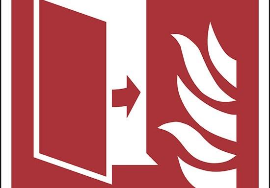 (porta di protezione antincendio – fire protection door)