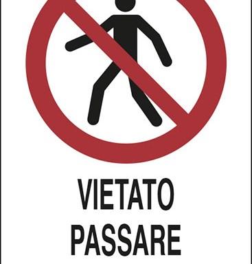 VIETATO PASSARE SOTTO I PONTEGGI