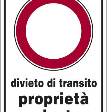 divieto di transito proprieta' privata