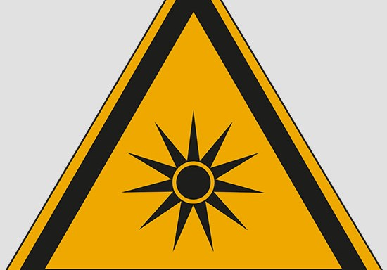 (warning: optical radiation)